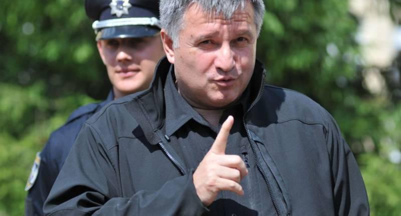 Партия Порошенко обвиняет Авакова в подготовке переворота