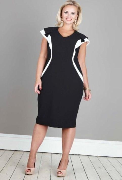 Если вам больше нравятся модели платьев с драпировкой на лифе, то лучше выбрать фасоны с прямым низом или юбкой-трапецией, если ткань – шелк, хлопок или вискоза. В модели из шифона допустимы небольшие складки или легкая присборка по линии талии