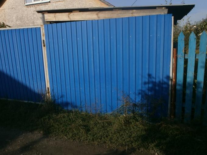 Как правильно выбрать забор для дачи? Виды, преимущества, недостатки
