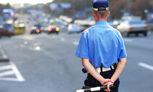 Инспекторы ГИБДД снова могут останавливать автомобили вне стационарных постов