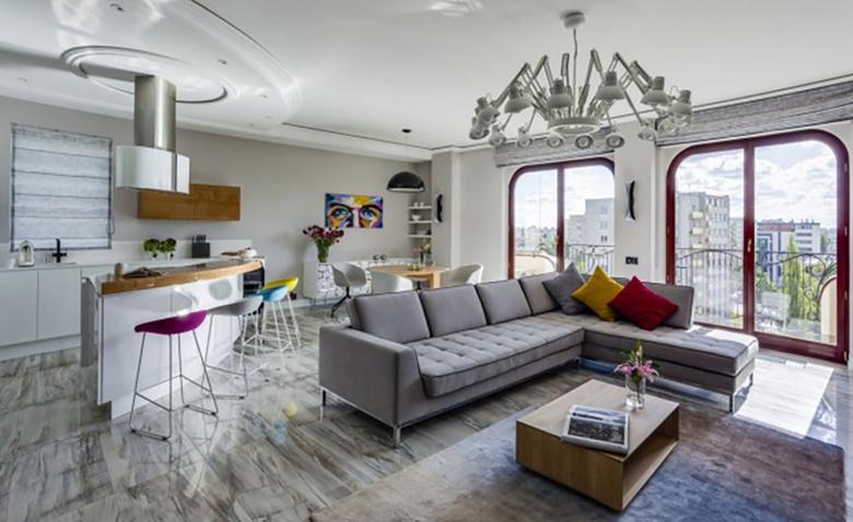 Монохромная квартира-картина с включениями цвета