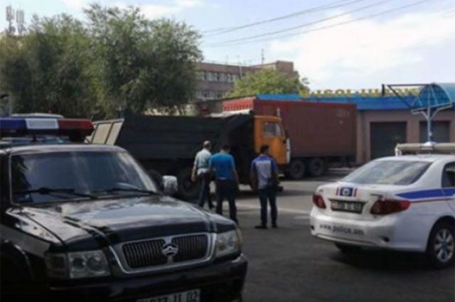 Оппозиция опровергла захват врачей в заложники в Ереване
