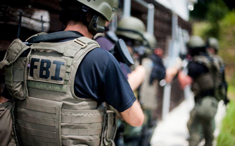 11 сентября меняет планы После террористической атаки 11 сентября 2001 года, ФБР пришлось поторопиться, чтобы успеть поймать Анну. Она была назначена в команду, которая должна была заниматься анализом целей для бомбежки после вторжения США в Афганистан – это дало бы ей доступ к военным планам Пентагона. Пришло время схватить Королеву Кубы. 21 сентября 2001 года Анна Монтес была вызвана в конференц-зал РУМО, где ее и арестовали, положив конец карьере одного из самых опасных шпионов в истории США.