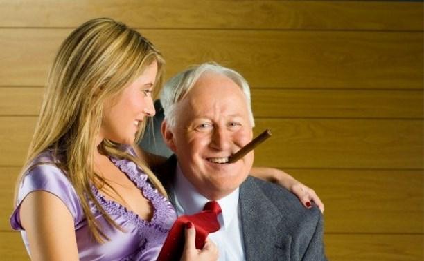 порно старик трахает молоденькую