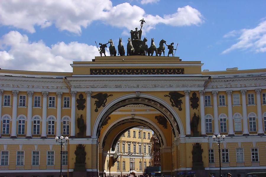 Компания Тур Люкс предлагает огромный выбор туров в Санкт-Петер