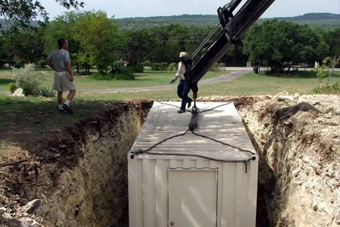Все думали, что он копает яму под бассейн. Когда соседи увидели, что вышло в итоге, то потеряли дар погребок, смекалка, строительство