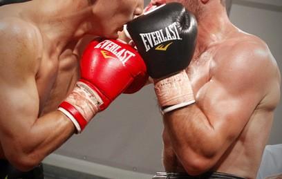 Тренер боксера Алояна ответил на обвинения в употреблении допинга