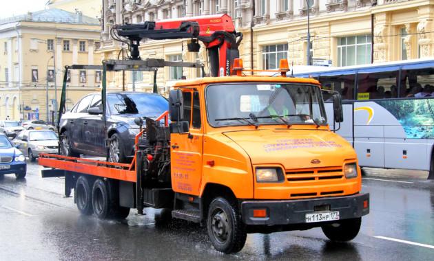 Процедуру возврата машины со штрафстоянки упростят столичные власти