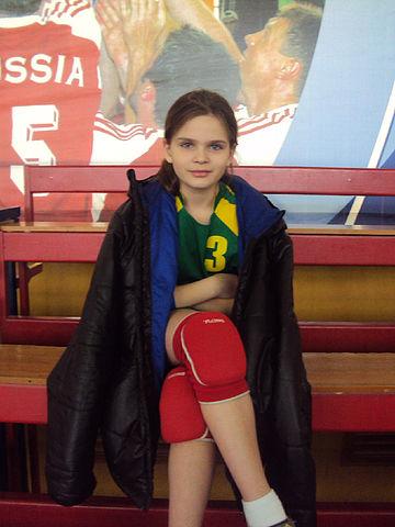 Дисквалифицировать пожизненно: Юная ростовчанка наступила на голову москвичке во время гандбольного матча