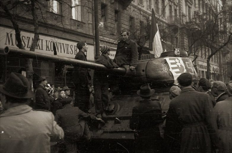 Как армия СССР подавила венгерское восстание