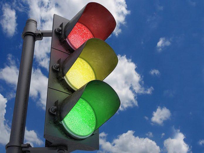 В Италии придумали, как зарабатывать на светофоре