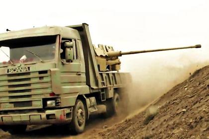 Reuters рассказало о штурме боевиками ИГ осажденного города Дейр-эз-Зор в Сирии