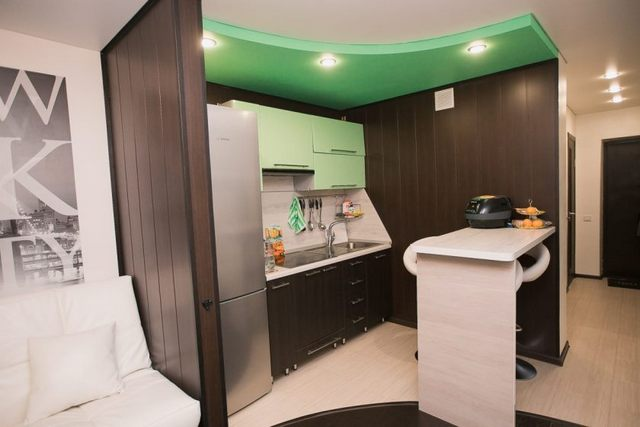 маленькая кухня в квартире студии