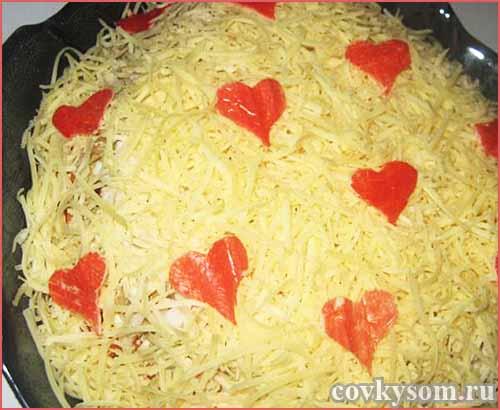 """Салат с кальмарами и рисом """"Валентинка"""""""