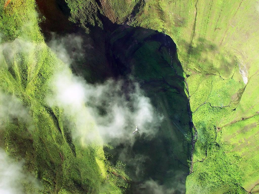 13372747 77cbb5bbae b Стена слез: водопад Хонокохау на Гавайях
