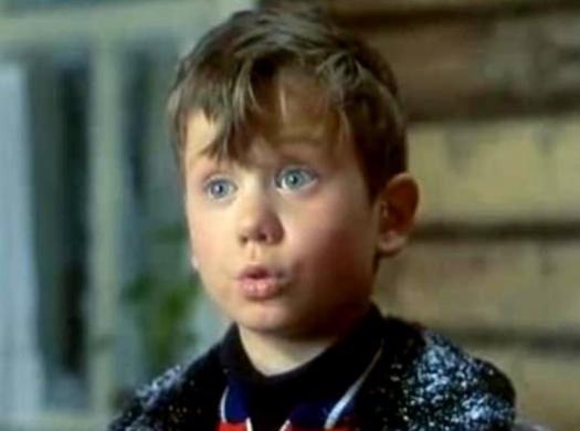 """Как изменилась жизнь мальчика, сыгравшего звездные роли в фильмах  """"Сирота казанская"""" и"""