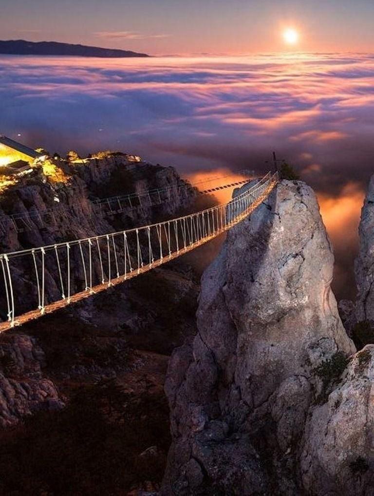 Гора Ай-Петри - знаменитая вершина крымских гор и мост в небо