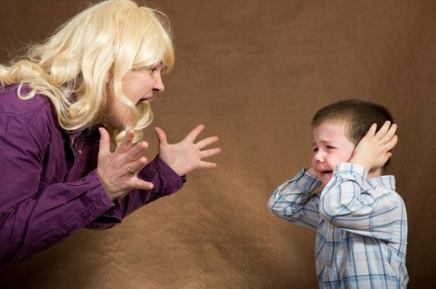 Мать накричала на маленького сына и назвала его ничтожеством. И тогда он поступил как настоящий мужчина