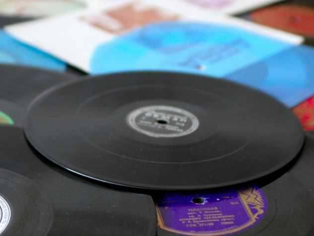 Жителю Тюмени грозит шесть лет колонии за кражу виниловых пластинок The Beatles