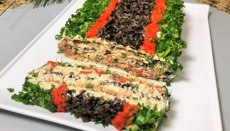 Закусочный рыбный торт  «Красотка»: вкусная идея для праздничного стола