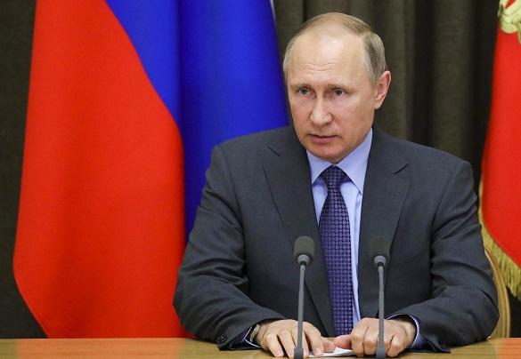 В. Путин едет в Париж, чтобы дать новому лидеру Франции шанс исправить ошибку предшественника