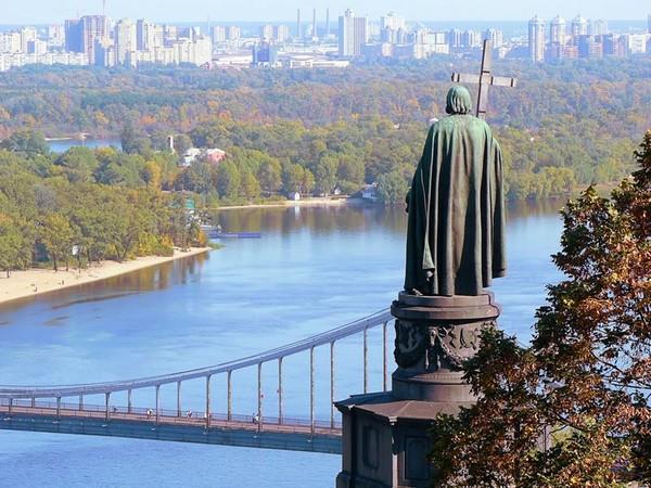 Киев попал в десятку худших городов - The Economist