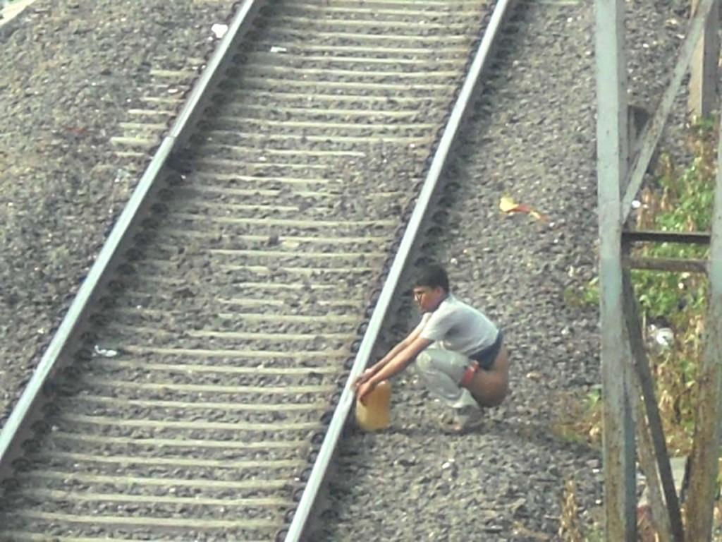 Смотреть бесплатно срущие женщины 28 фотография