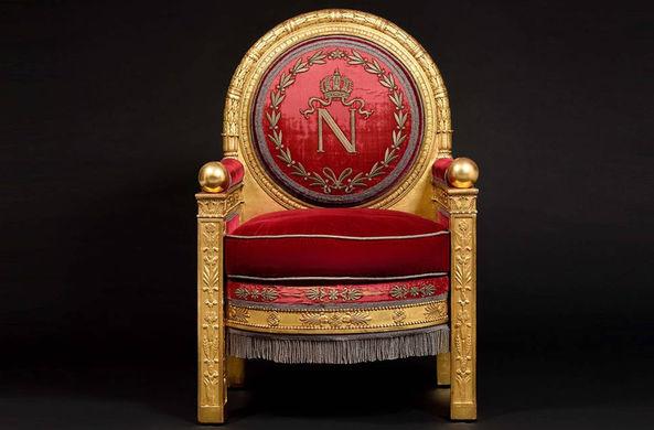 Трон Наполеона продали с аукциона