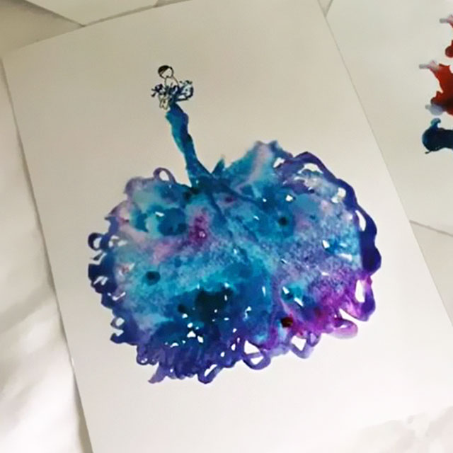 Artist Uses Water Drops And Paint To Create Spontaneous Dress Designs