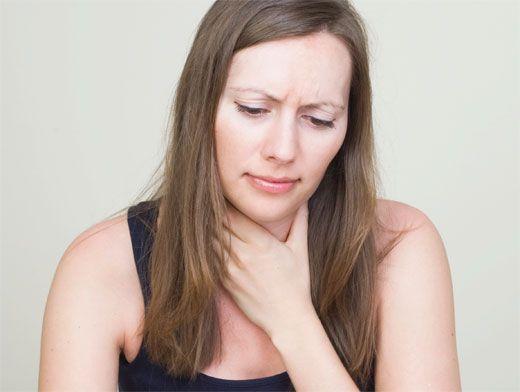 «Засуха» в горле: причины и лечение хронического ларингита