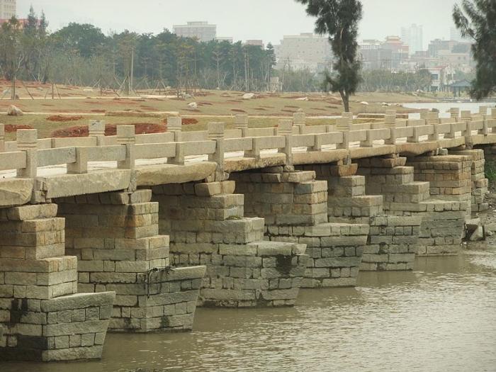 Древний мост Анпинг в Китае (7 фото)