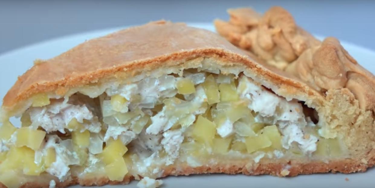 Сытный мясной пирог с мясом и картофелем
