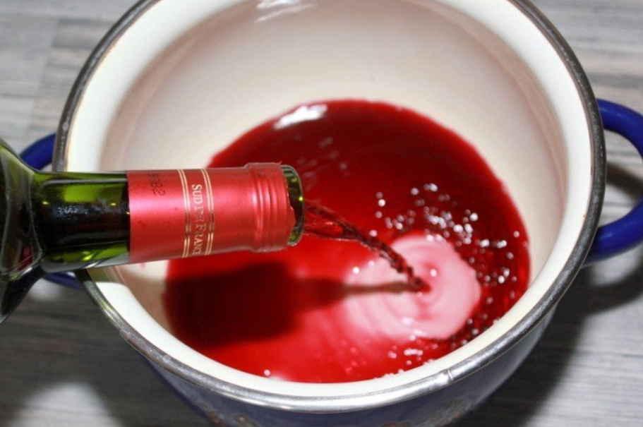 От гипертонии готовлю лечебное вино: 1 ст. ложка и давление снижается через 5-7 минут