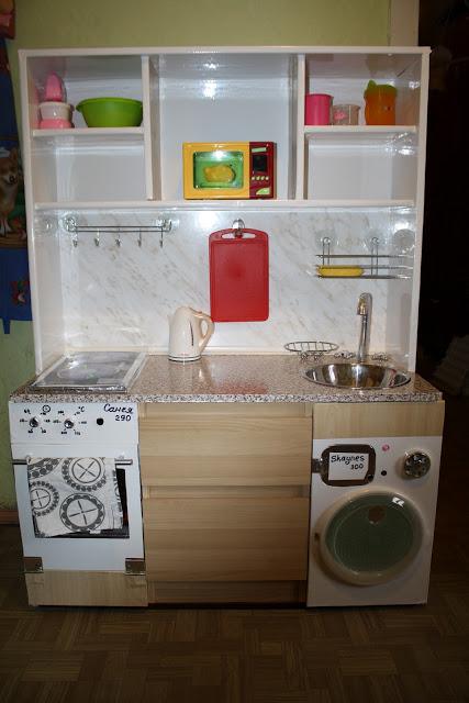 Как сделать кухню для девочек своими руками