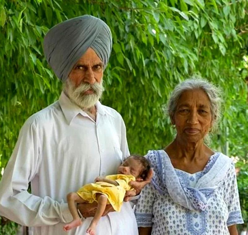 Как сегодня живет и выглядит ребёнок, которого родили в 66 лет