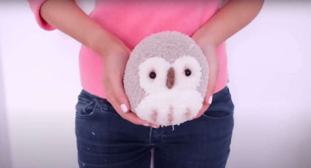 Милая игрушка-вывернушка из носка