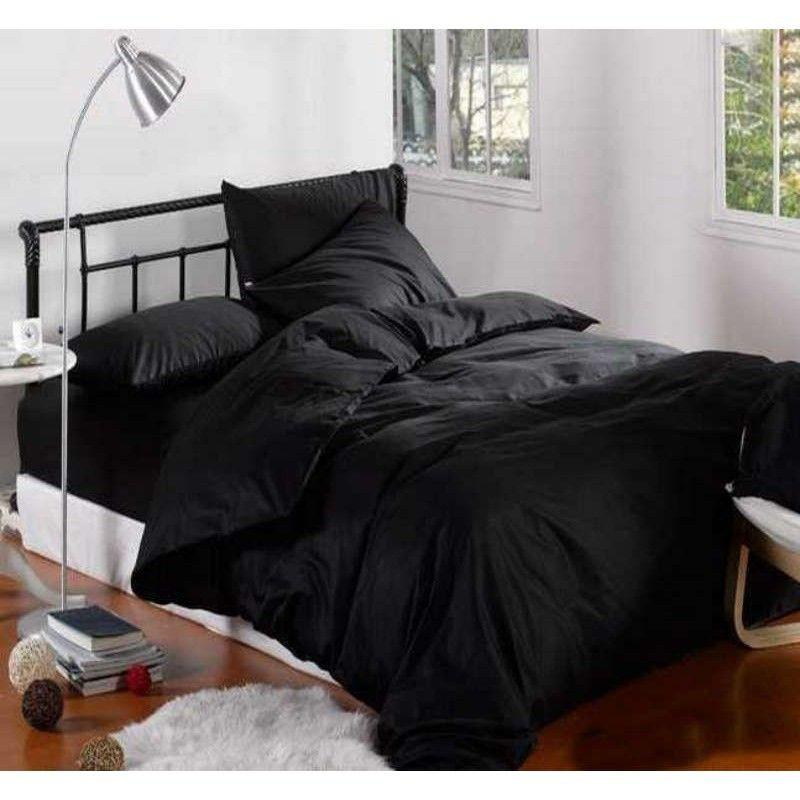 Черное и белое постельное бельё – выразительная простота в интерьере