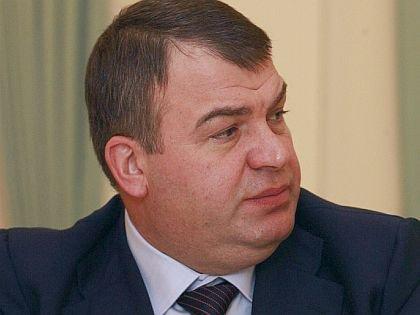 Неприкосновенные и конспирология: как воскресает карьера Сердюкова