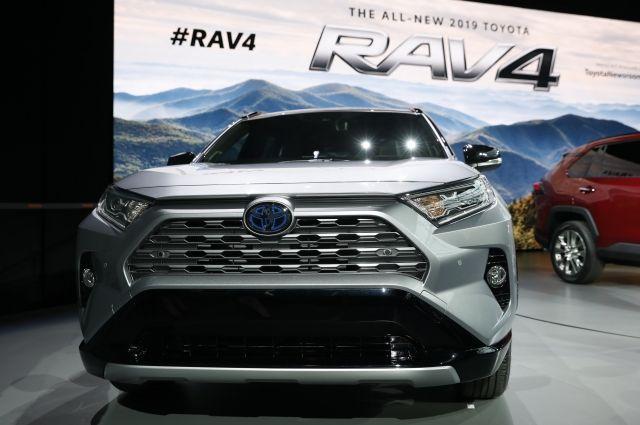 Toyota представила кроссовер RAV4 нового поколения