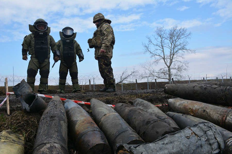 В Украине кончились патроны. И прочие боеприпасы