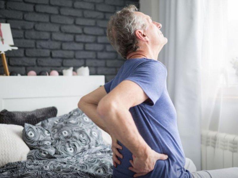 Боль в спине. Названы пять опасных нарушений, которые могут ее вызывать