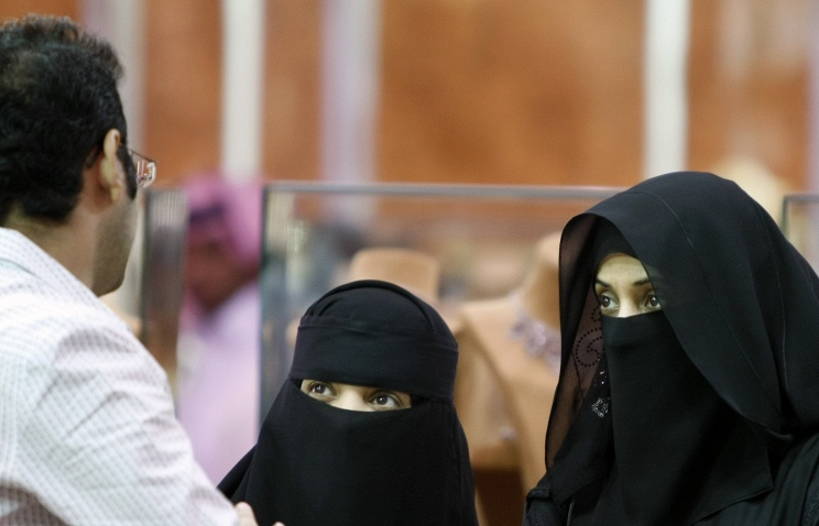 Саудовская Аравия: мужчины установили правила поведения для жен на время ЧМ-2014