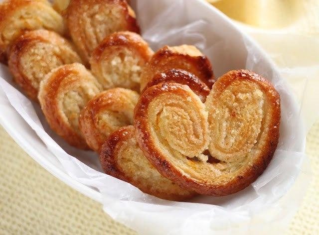 Печенье из слоеного теста с сахаром с фото