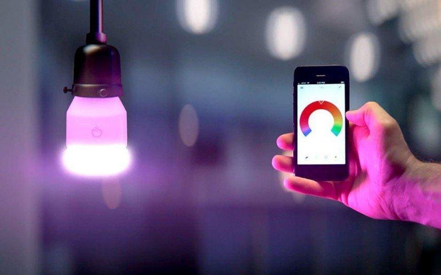 Найден способ подключения к любому Wi-Fi через «умную» лампочку