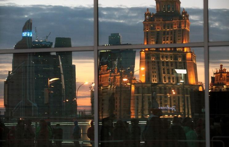 ТАСС: Российское бизнес-сообщество не исключает череду дефолтов среди компаний в 2015 году