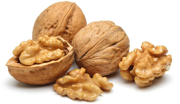 Грецкие орехи - натуральный антиоксидант. Богаты минералами и витаминами. Содержат множество полезных веществ.