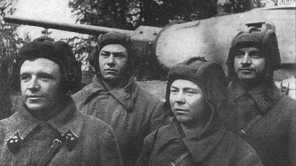 Как экипаж Т-34 остановился побриться и спас от немцев Серпухов