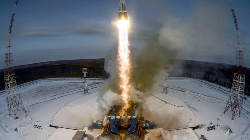 «Бизнесмены-неудачники» Медведева уронили спутники в океан