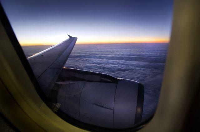 Минимум два человека погибли при крушении самолета в Тунисе