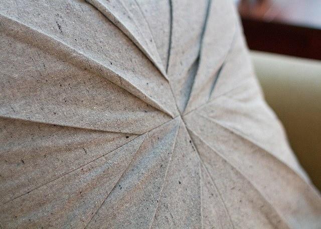 Мастер-класс по шитью подушки с застроченными складками
